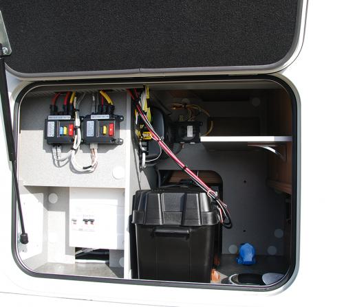 coffre-electrique-camping-car-haut-de-gamme-le-voyageur