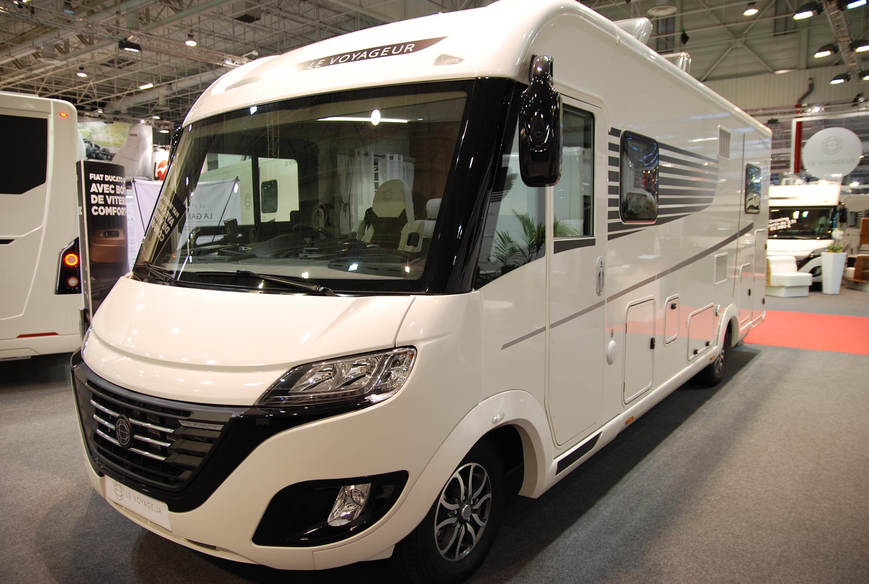 Camping car haut de gamme avec salon en u lv7 8lu le for Salon camping car