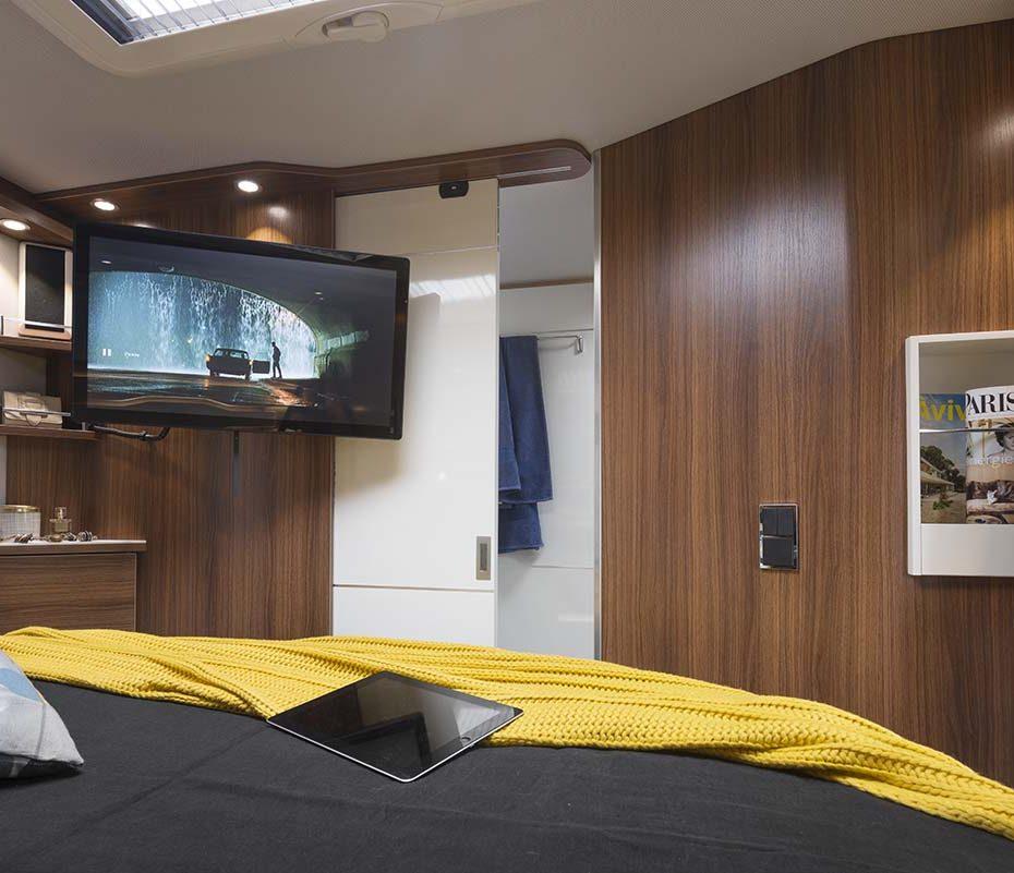 camping cars le voyageur un int rieur au service de. Black Bedroom Furniture Sets. Home Design Ideas